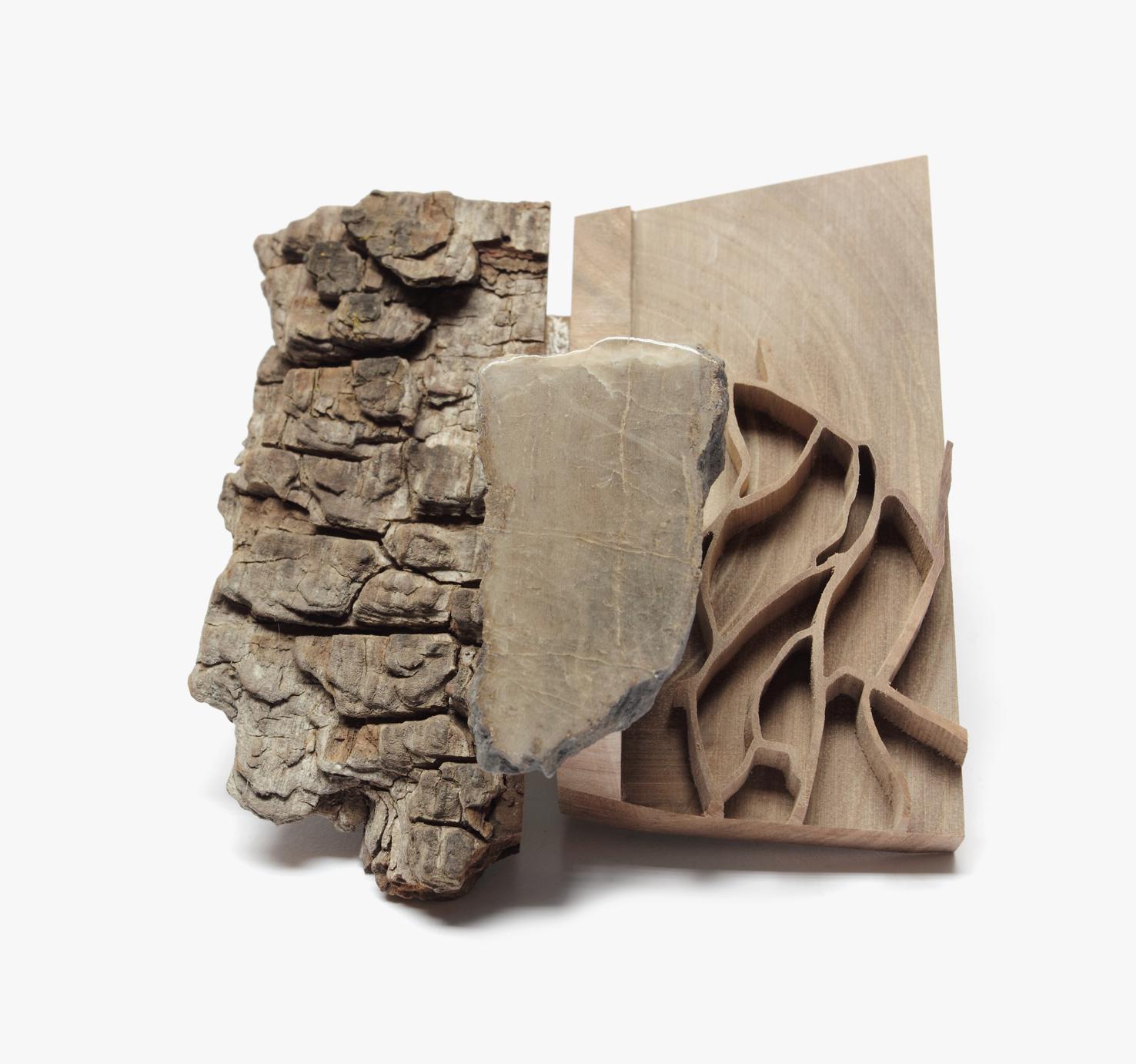"""""""Roads"""", 2013, Brosche, Haselnuss, Eiche, Stein"""
