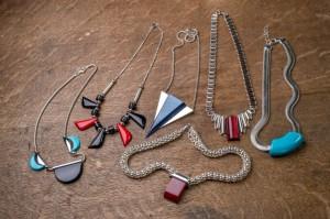 Art Déco Collection, Sommerkollektion, Halsketten aus Silber und Galalith, Orginaldesign aus dem Musterbuch von Jakob Bengel